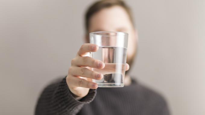 Hindari Minum Air di 5 Waktu Ini Demi Kesehatanmu! Kapan Saja?